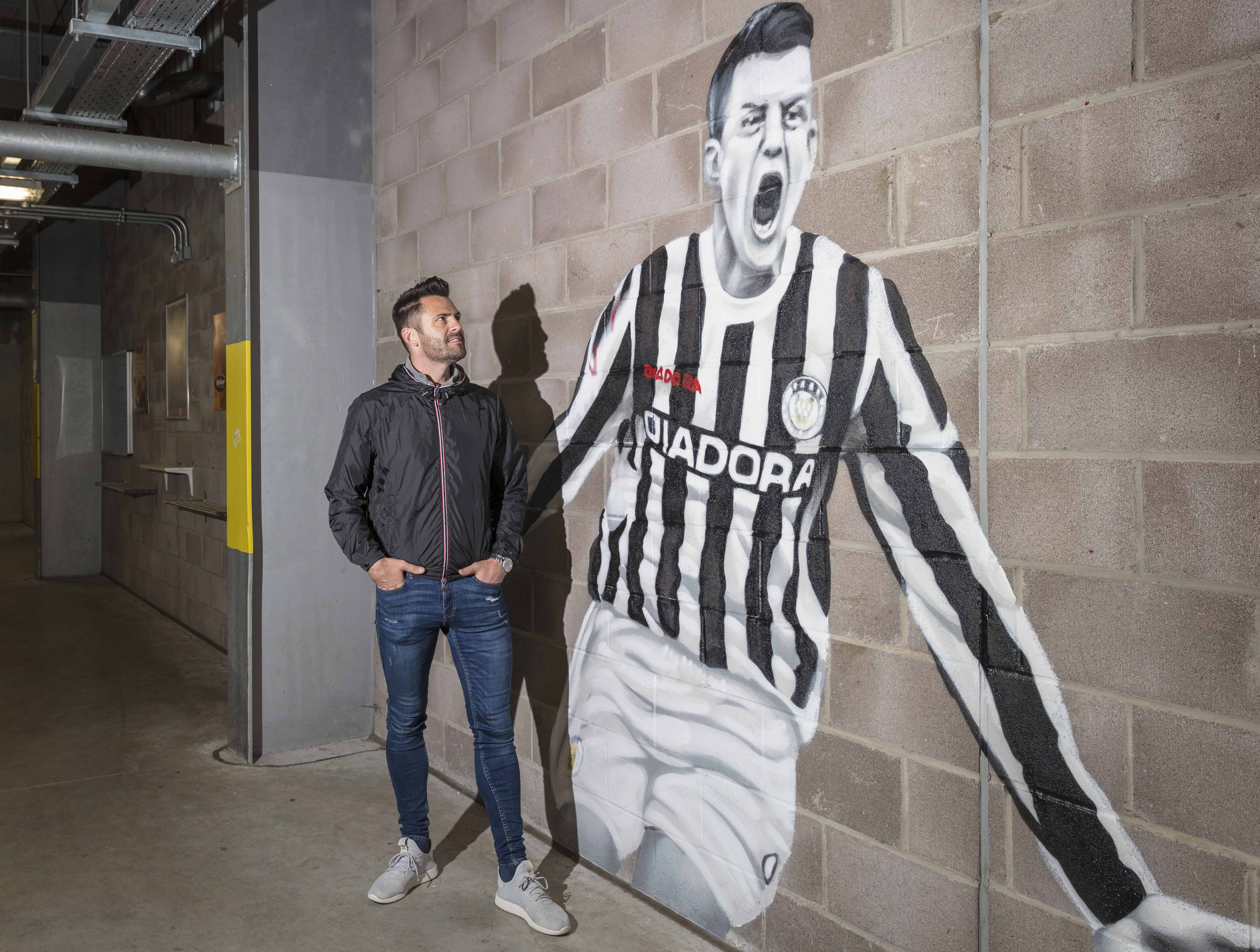 Thommo meets Thommo! Legend thanks SMISA for mural
